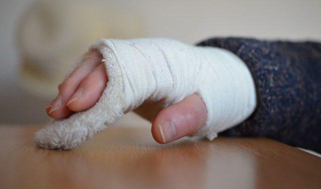 Медики развенчали распространенные мифы о переломах