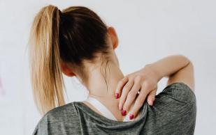 Три простых упражнения, помогающих снять боль в спине