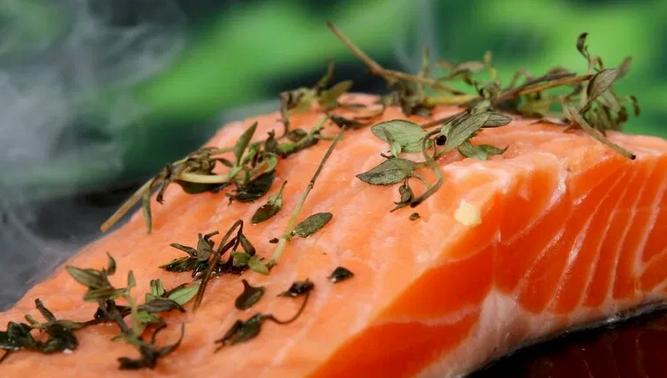 В каких продуктах искать кальций и витамин D для крепких костей