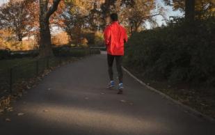 Медики рассказали, можно ли заниматься спортом людям с больными суставами