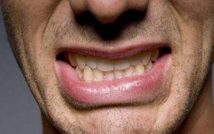 Больные зубы повышают риски переломов костей и дефицит микроэлементов – ученые