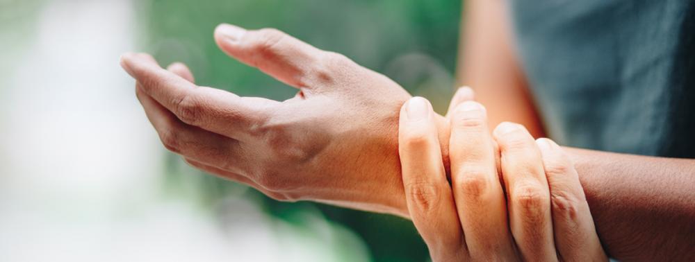 Пять загадочных симптомов ревматоидного артрита