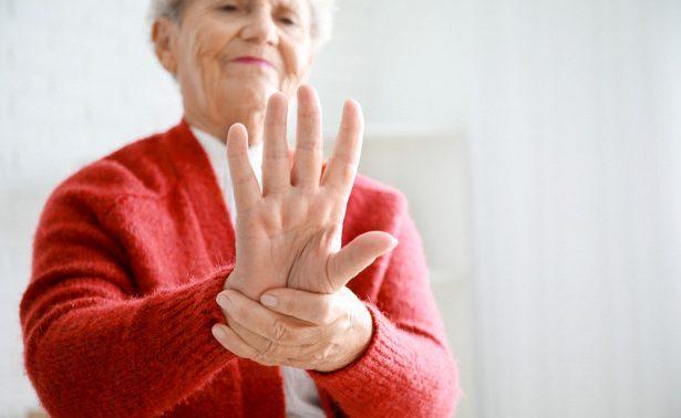 Подагра или артроз: почему опухают пальцы