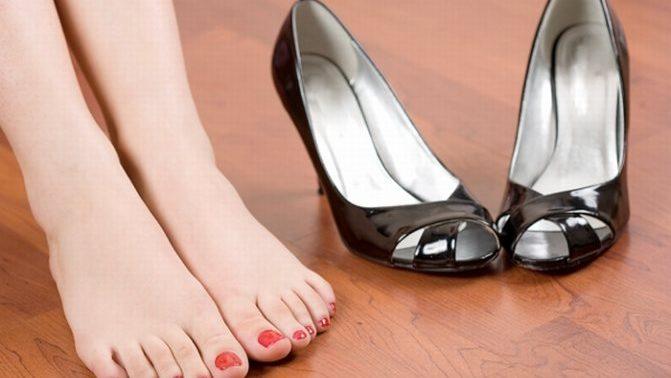 Здоровье — это красиво: как выбрать летнюю обувь и не заработать плоскостопие