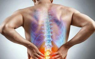 Боль в спине: 5 натуральных средств для снятия приступа