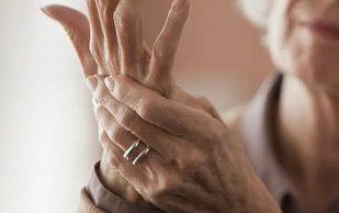 Артрит: 5 продуктов, помогающих избежать симптомов обострения и боли