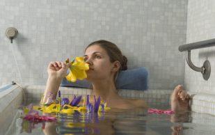 Тепловые ванны, аппликации и компрессы для лечения болей в спине и суставах
