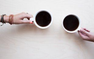 Большие дозы кофеина могут увеличивать риск остеопороза