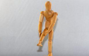 Немецкий врач рассказал, что помогает от боли в суставах