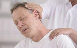 6 нарушений в организме, о которых сигналит боль в шее