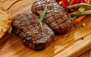 Ученые считают мясо провокатором воспаления и раннего артрита